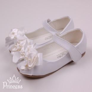 . Детские балетки на липучках белого цвета