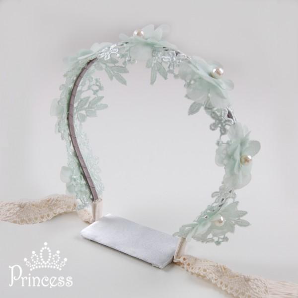 Фото: Ободок с лентой, цветами и бусинами (артикул 1026-mint)