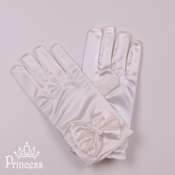 Фото: Укороченные детские перчатки молочного цвета (артикул 1074-milk)