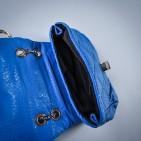 Фото: Сумочка на цепочке синего цвета (артикул A 30017-blue) - изображение