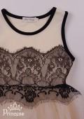 Фото: Элегантное платье нежного цвета с контрасным черным кружевом на лифе и юбке (артикул 3095-light beige) - изображение