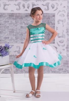 Девочка с бантиками или красивый декор детского платья