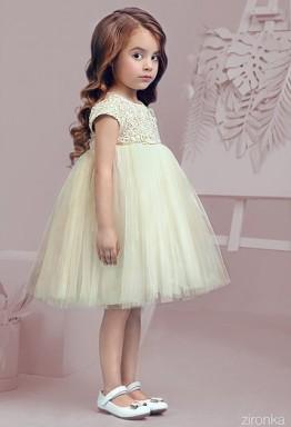Самый приятный подарок для девочки: изящное платье