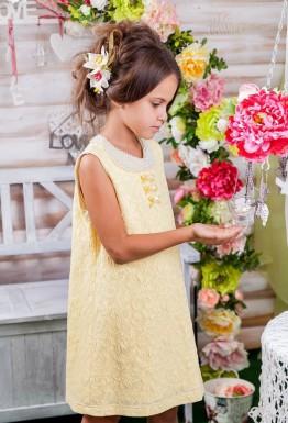 Традиционный мартовский наряд для девочек: платье на утренник 2017