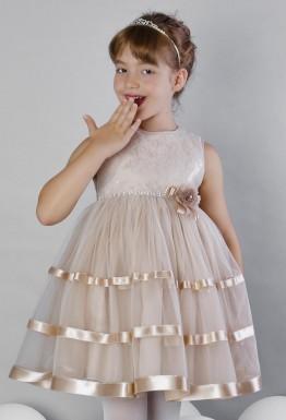 Подчеркнуть индивидуальность с помощью платья? Легко!