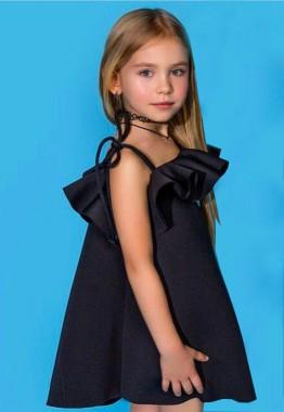 Каким должно быть детское платье: стандарты и фьюжн