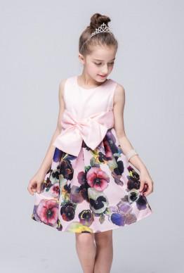 Платье для озорной девочки: какое выбрать