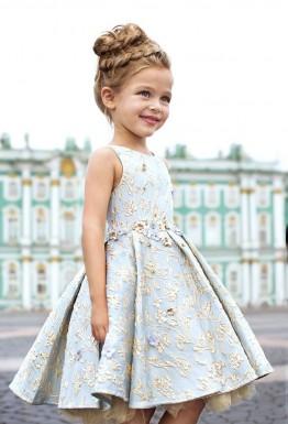Цвет детского платья – сложный выбор