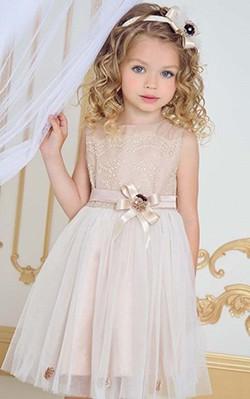 Нарядное платье  - особый наряд для девочки любого возраста