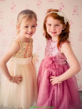 Базовые правила выбора платья для девочки